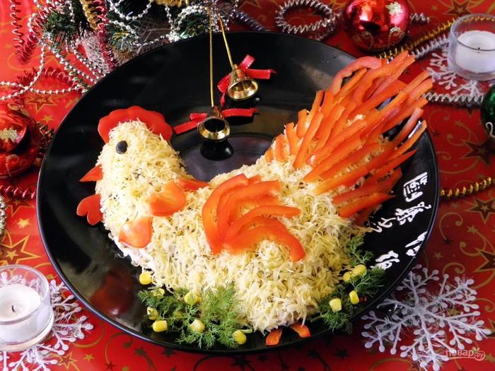 Рецепты и украшение салатов к новому году