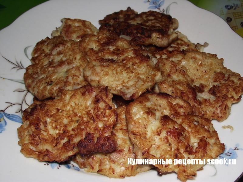 Куриные оладьи с плавленным сыром