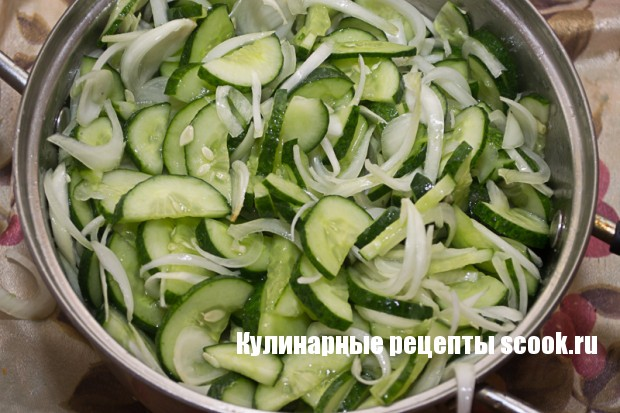 "Салат из огурцов ""Неженский"""
