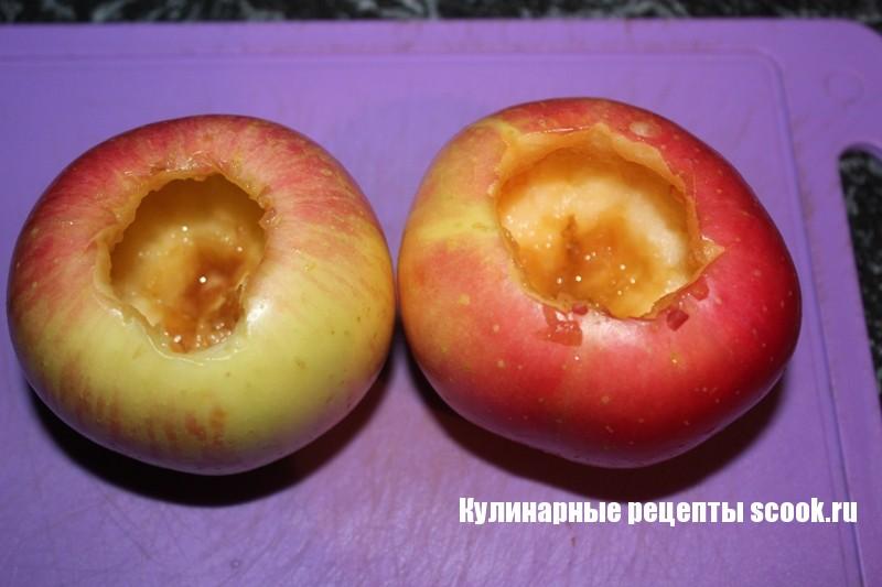 Яблоко запеченное с творогом