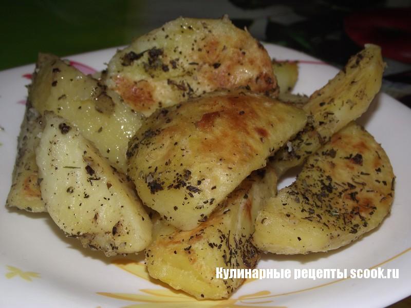 Картошка запеченная с ароматными травами