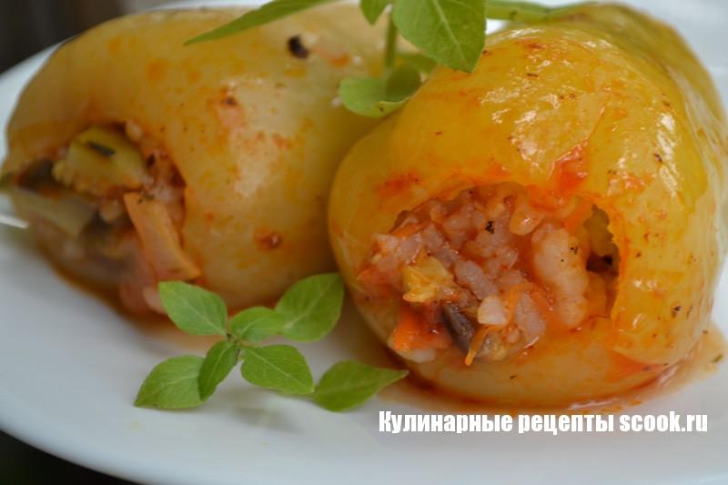 Перцы, фаршированные овощами