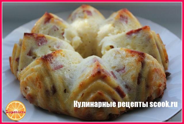 Кекс с сыром и колбасой